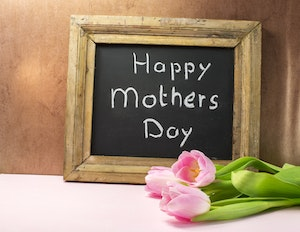When  was Mother's Day in the UK in 2014?